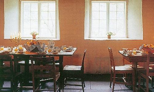 Restaurant på Baroniet Rosendal Avlsgård & Fruehus. 3-retters middag i sesongen