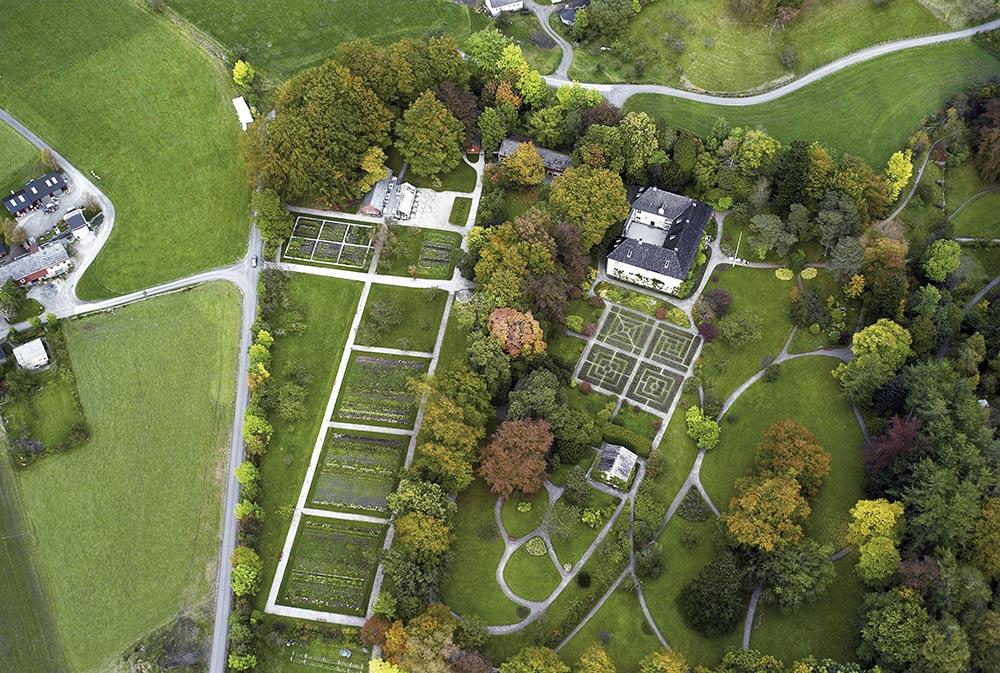 manor-gardens