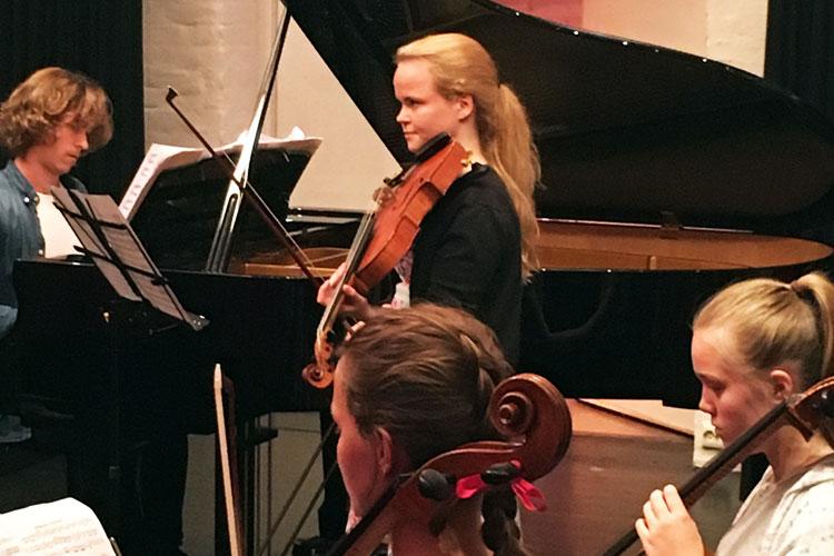 De Unges Orkester Forbund UNOF, konsert i Riddersalen på Baroniet Rosendal