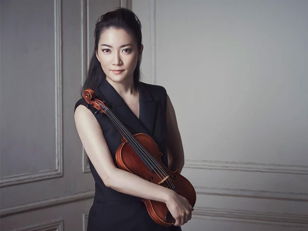 Akiko Suwanai. Photo Takaki Kumada