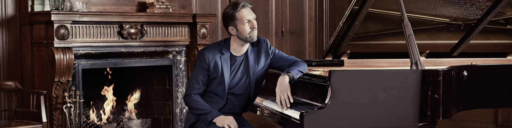 Leif Ove Andsnes. Photo Gregor Hohenberg