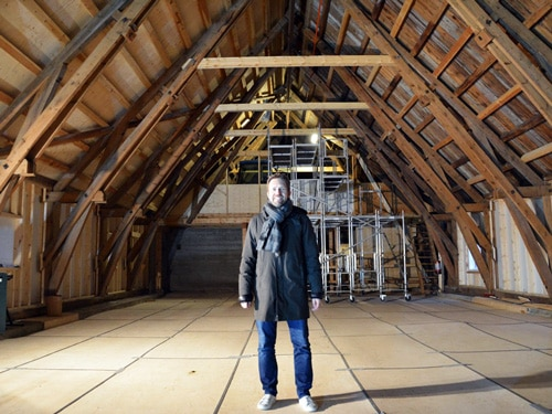 Leif Ove Andsnes in the original barn in Rosendal