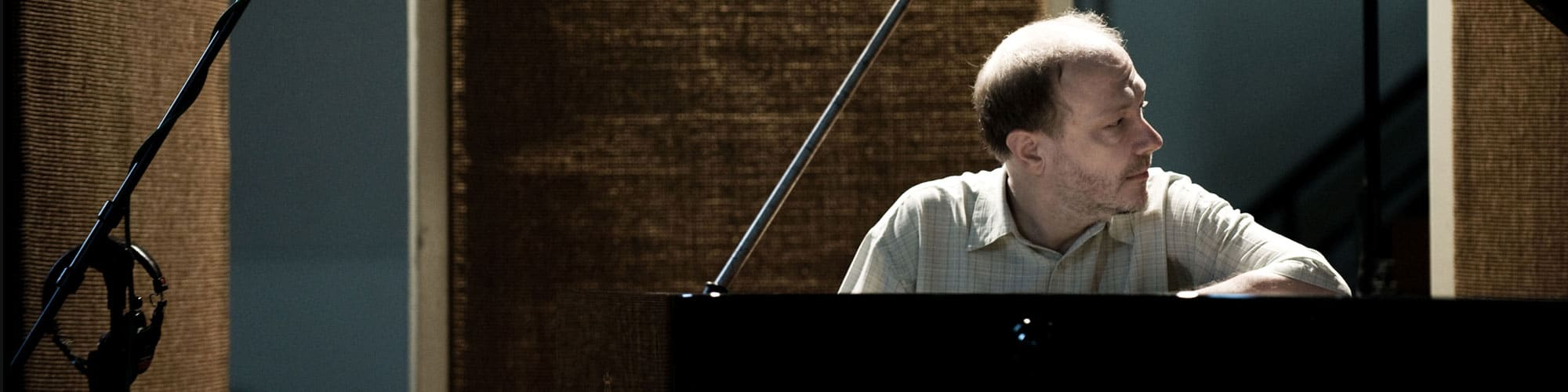 Marc-André Hamelin, piano. Foto Sim Canetty Clarke